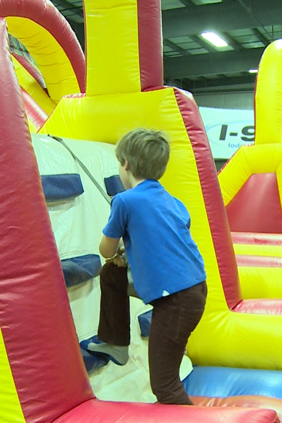 Eauclaire Indoor Sports Center Halloween 2020 Families fill Eau Claire Indoor Sports Center for Xcel Energy Kids