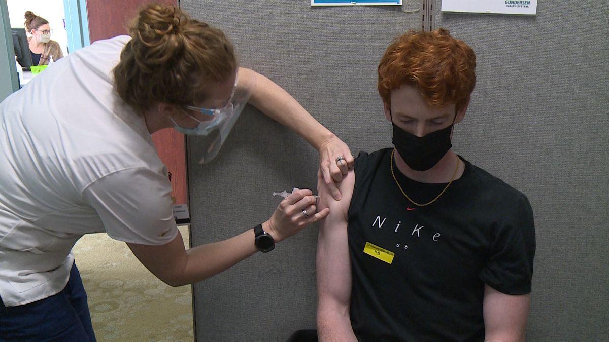 Ben Faas receives first Pfizer dose