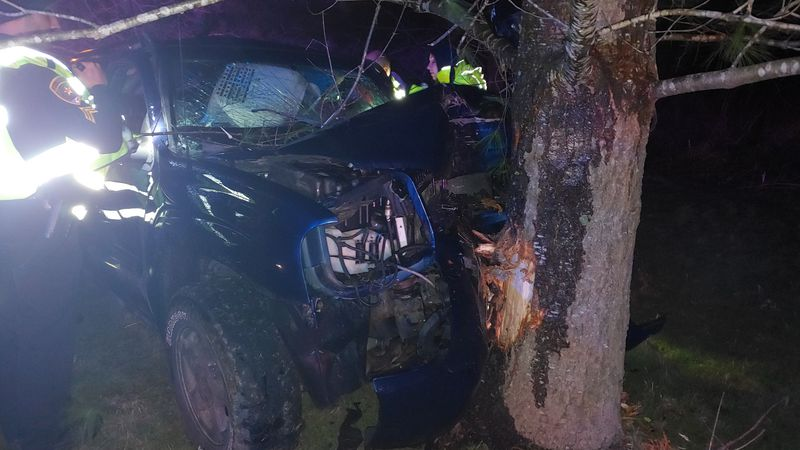 Two people injured in Vernon County Crash