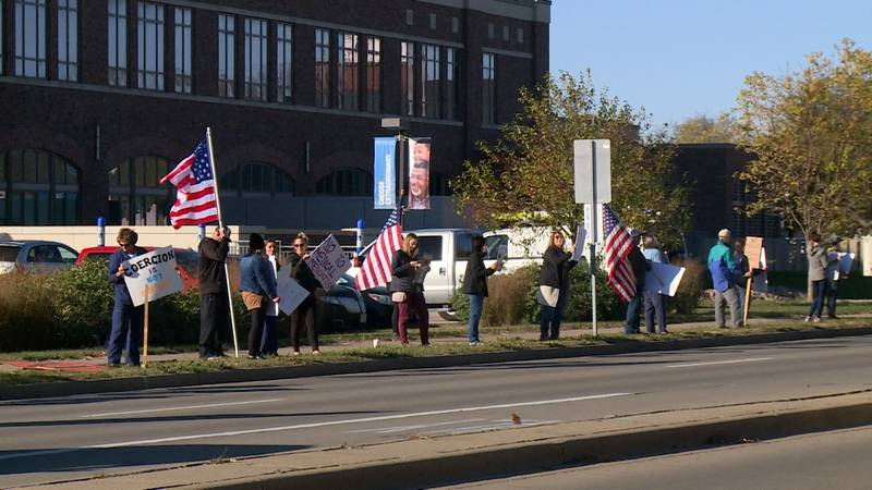 A group of people protest Mayo Clinic Health System's vaccination policy outside of the La...