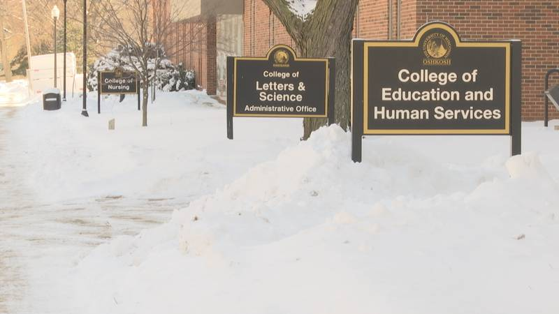 A computer glitch caused the University of Wisconsin Oshkosh to send about 400 acceptance...