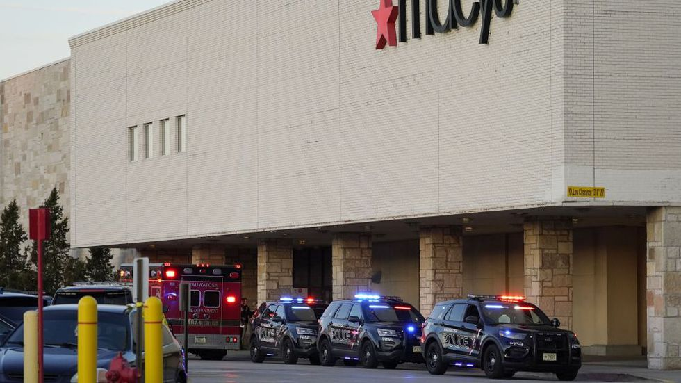 Wauwatosa Police arrest 15-year-old boy for Mayfair Mall...