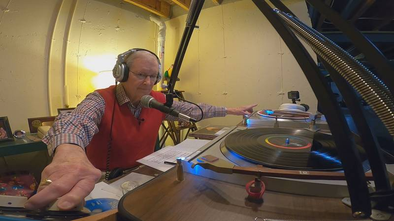 Tom Bolger returned to the air Saturday on internet radio station WLHA.