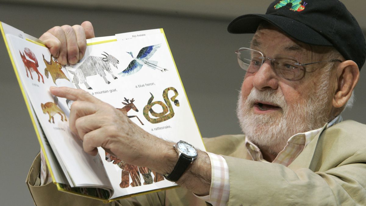 """FILE - Illustrator Eric Carle reads from """"Baby Bear, Baby Bear, What Do You See?"""" on Oct. 1,..."""