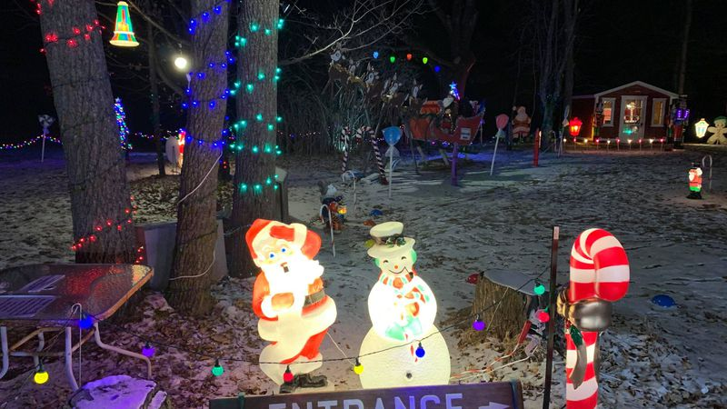 A light display in Ladysmith is raising funds for local non-profits.