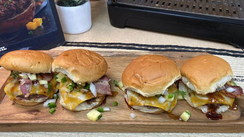 The Wisconsin Beef Council shares a recipe for Spicy Hawaiian Burgers