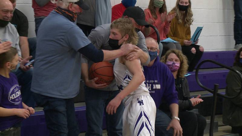 Brock Flater scores 1,000th point