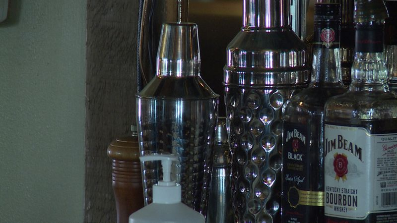 A new state law allows restaurants to serve cocktails to go with their liquor license.