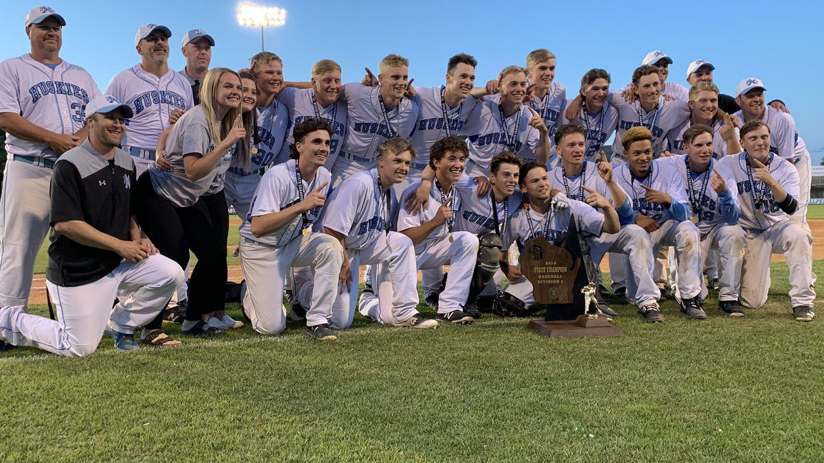 Eau Claire North celebrates their Division 1 championship