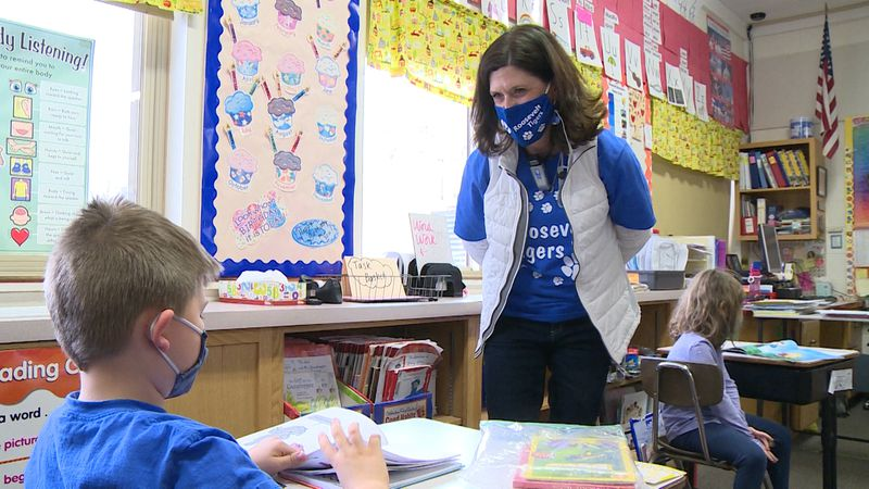 Michelle Glaser honored with Roosevelt Golden Apple Award