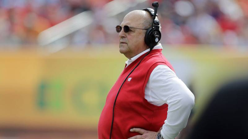 Wisconsin acting head coach Barry Alvarez looks on during the second quarter of the Outback...