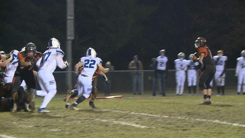 Ryan Bohl throws touchdown