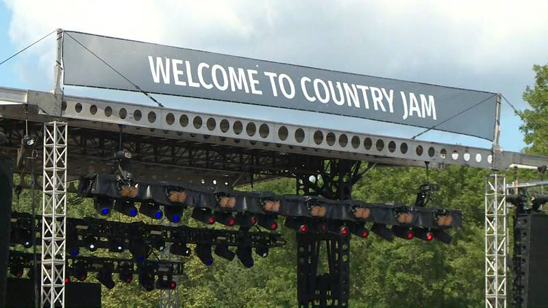 After being canceled in 2020 due to the coronavirus pandemic, Country Jam USA made it's return...