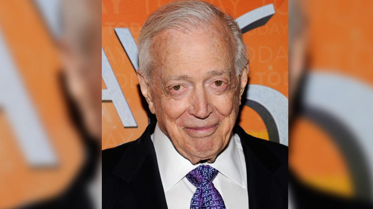 Television news anchor, host Hugh Downs dies at 99