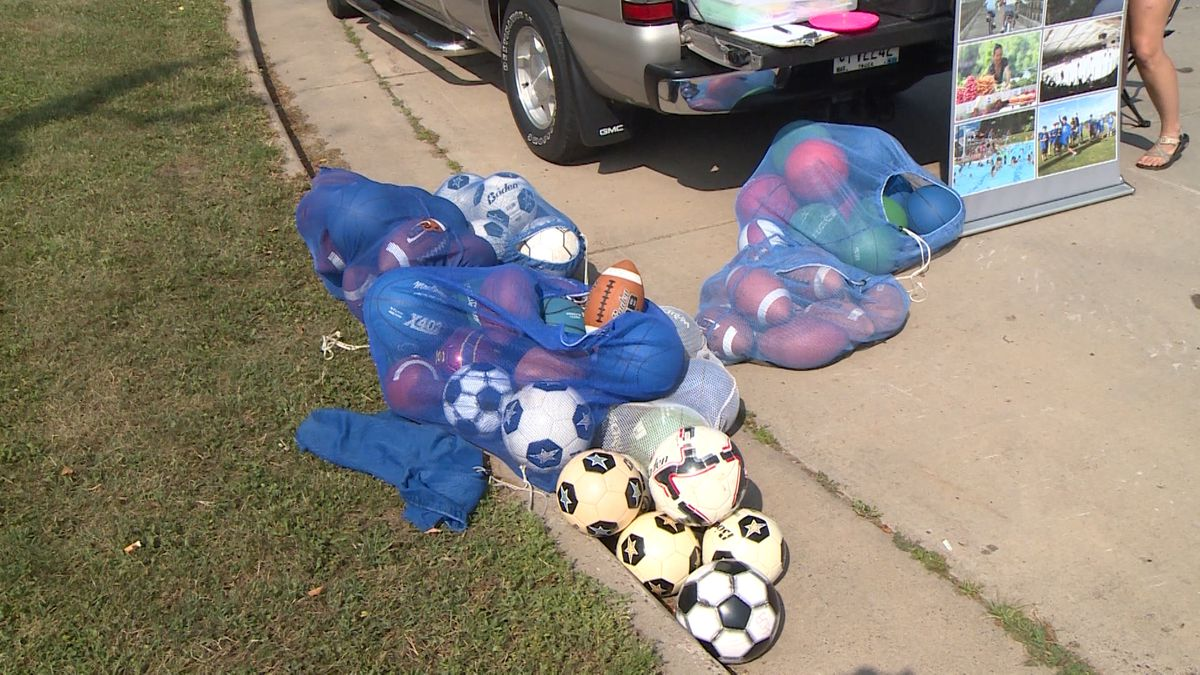 Eau Claire Parks, Rec, & Forestry hands out summer fun packs