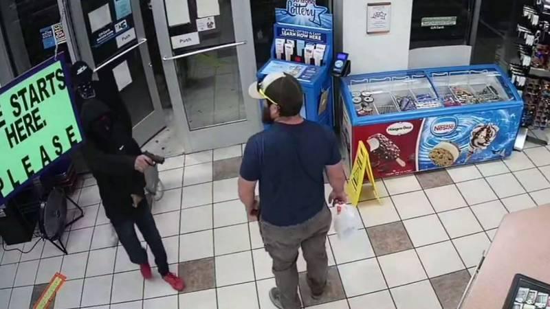 James Kilcer, a 32-year-old Marine veteran, disarmed a teenage robbery suspect in an Arizona...